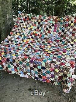 BEAUTIFUL Vintage Handmade One of a kind Yo-Yo quilt king Size