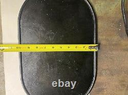 Extremely Rare If Not One Of A Kind Unmarked Cast Iron Griddle With Pan Handle