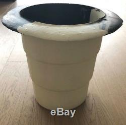 Vintage- Gaetano Pesce- Black & Cream Resin Ice Bucket. One of a kind