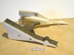 Vintage One-of-a-Kind 1969 XB-70 Valkyrie Pilot & Crew Signed Presentation Model