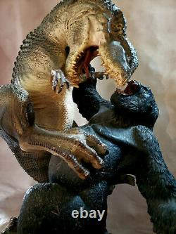 Weta KING KONG V-Rex VS Kong 24 Scale Statue with Custom Girl One of a Kind