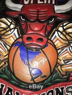 1 Collection De Vestes Jordan Bulls. Veste Trois Tourbe Seulement Un Signé