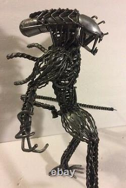 Alien Vs Predator Sculptures D'art Métallique Collectionnable Unique D'un Genre