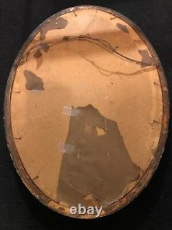 Ancien Convex Bubble Verre Cadre D'image Ovale Avec Un D'une Photo Gentille En Elle