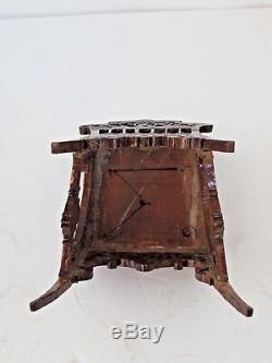 Chaise Latérale Miniature Miniature Faite À La Main, Faite À La Main, Unique En Son Genre