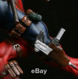 Deadpool Custom Statue Unique En Son Genre, Sideshow Bowen Heisman Trophy Pose 1