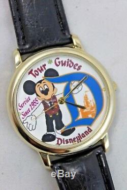 Disney Un D'une Sorte De Disneyland Guides Touristiques Concept Art Mickey Watch, Un Seul