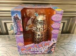 Docteur Who Classic Dalek Radio Command Un Des Genres Tom Baker Autograph 2004
