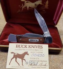 Incroyable Opportunité Pour Cette Collection Unique De Souvenirs De Buck Knives