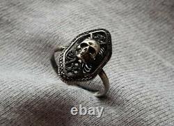 Incroyable Rare One Of A Kind Antique Memento Mori Skull Filigrane Silver Ring