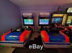 L'un D'un Coureurs D'arcade Type Daytona Usa, Dédicacé Par Indy Car Les Pilotes