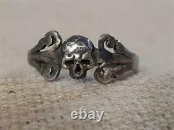 L'un Des Kind Anticique Memento Mori Skull Georgian Silver Ring Victorien