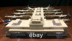 Modèle Airport Terminal 1400 Scale Comprend Lights & Jetways Unique En Son Genre