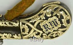 One Of A Kind Antiquité Briquet En Argent Et Or 24 Carats En Forme De Pistolet