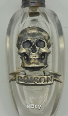 One Of A Tyrn Important Bonnet De Poison Antique En Argent Et En Cristal Avec Un Crâne Victorien