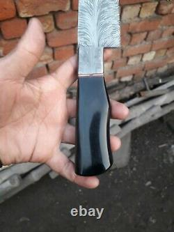 One Of Kind Damascus Steel Custom Made Feather Pattern Couteau 13 Résine