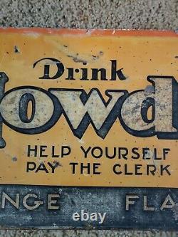 Rare Howdy Beverage Sign. Difficile De Trouver Un De La Sorte