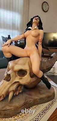 Sideshow Exclusive Vampirella Pf Statue 14 Custom Sexy Naked L'un D'un Genre