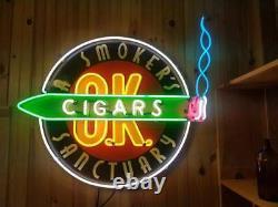 Signe Du Néon -cigares Du Sanctuaire D'un Fumeur O. K. 36 X 34 Un Signe Du Genre