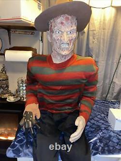 Taille De La Vie Freddy Krueger Horror Doll Mannequin Un De La Look Kind! Impressionnant De S'asseoir