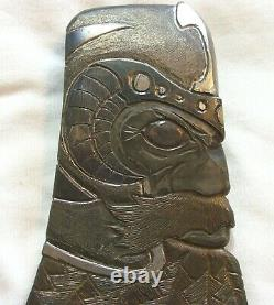 Two Sided Carved Embossed Viking Head Axe Hatchet Un D'un Genre Unique