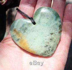 Un Kind Énorme Rarest Nz Pounamu Greenstone Image Jade Collier Coeur Maori