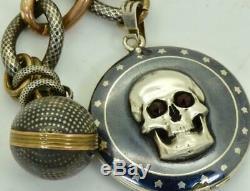 Un Messie Mori Skull De La Guerre Mondiale Montre Médaillon Montre De Poche En Argent, Or & Niello