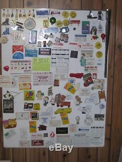 Une Collection Unique De Milliers D'aimants Pour Réfrigérateur