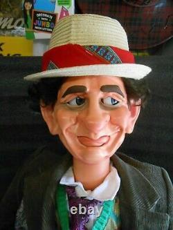 Une Des Marionnettes Du Genre Ventriloquist Dummy Doll Doctor Qui 7ème Septième