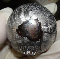 Unique En Son Genre Énorme Sphère Gravée, 410 Gm, Muonionalusta