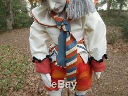 Vintage Clown Pierrot Poupée Sur Le Stand 23 Figure One-of-a-kind Très-vie Comme