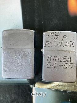 Vintage Zippo Lot 2 Korea Graved Personalized Rare Look! L'un D'un Bon Ensemble